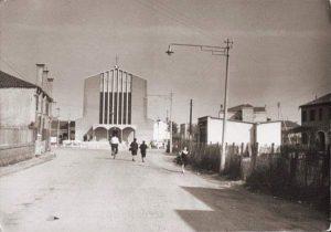 90 Anni con Maria Ausiliatrice - Foto storica della chiesa della Gazzera