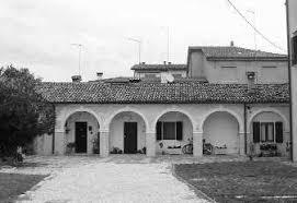 90 Anni con Maria Ausiliatrice - Foto storica della barchessa di villa Paganello